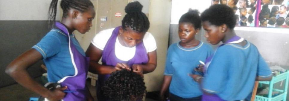 Beroepsonderwijs straatmeisjes Ghana