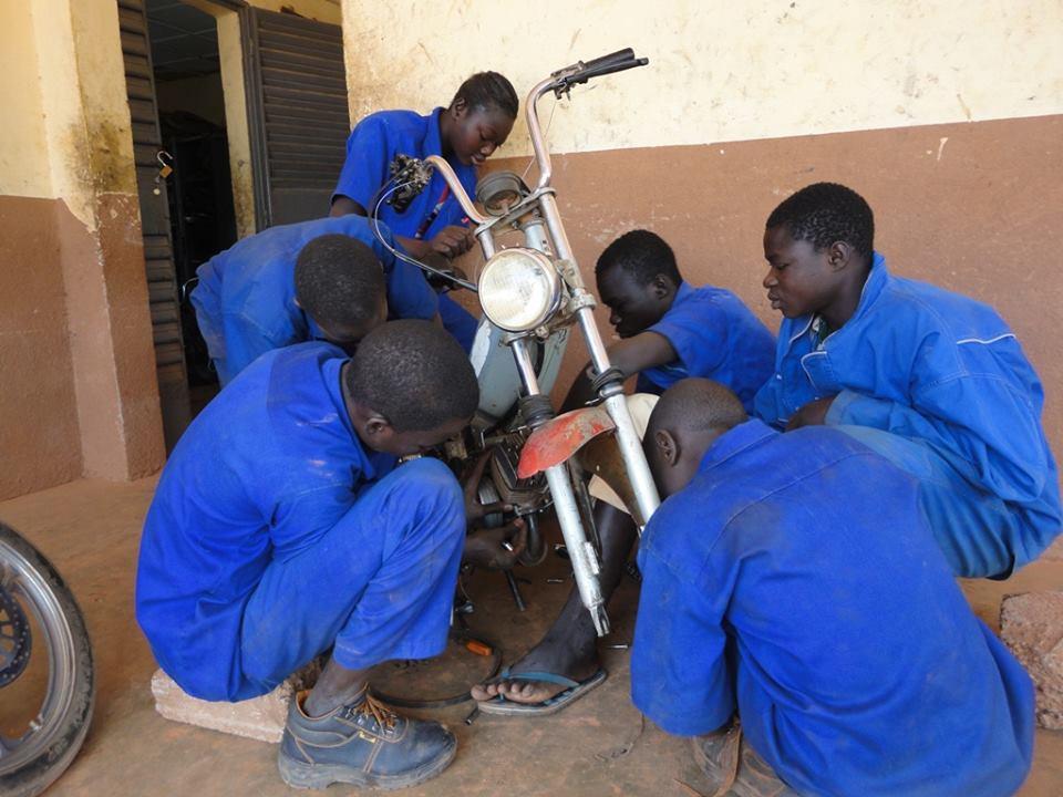Burkino Faso Werkende jongeren