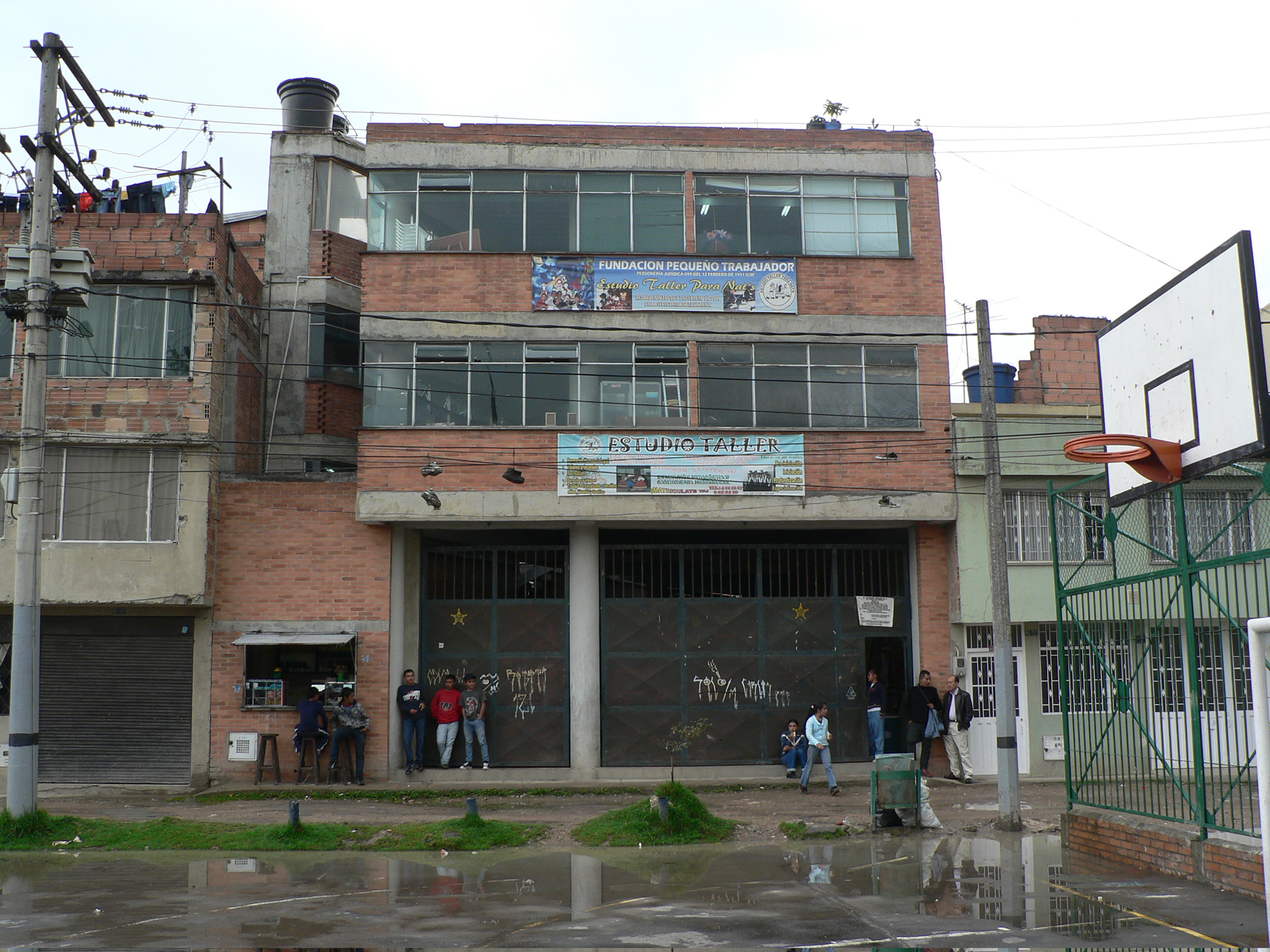 Wie steunen wij school Colombia