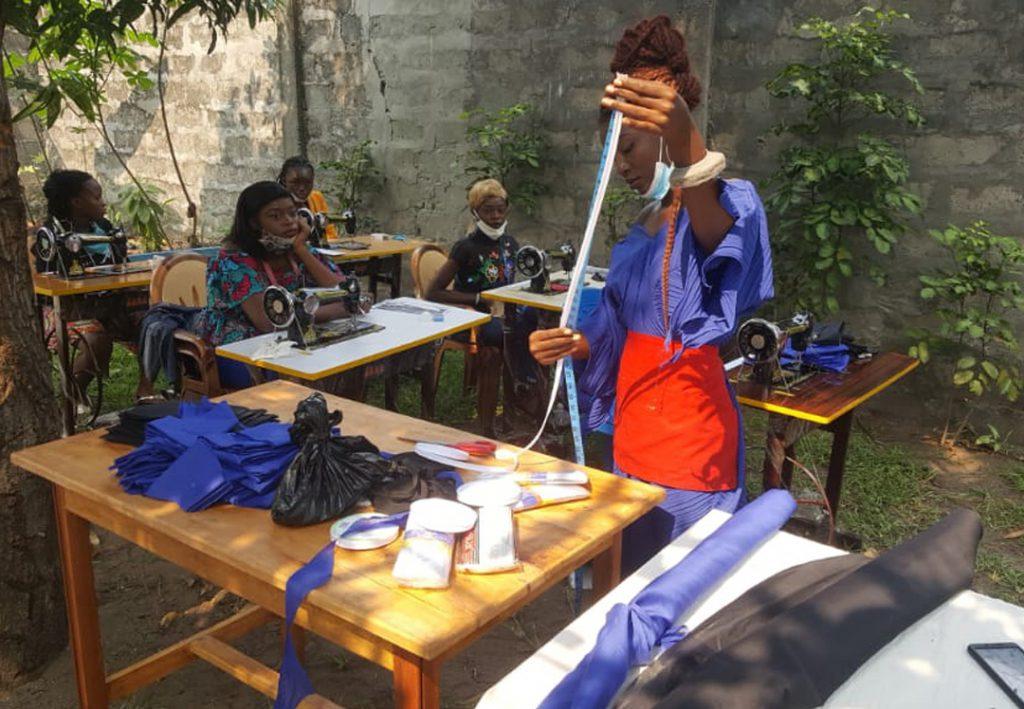 Stichting Diba Aids Congo training kleding maken